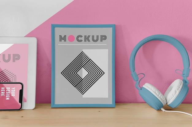 Mock up frame sulla scrivania Psd Gratuite
