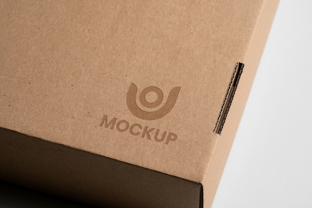 Mock-up logo design on cardbox Free Psd