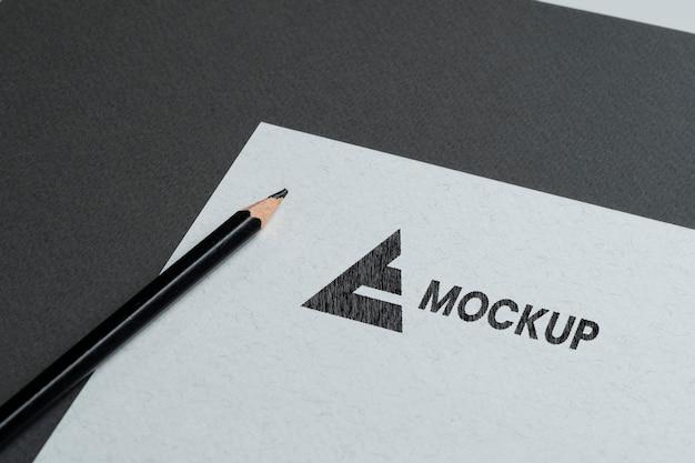 문구류 액세서리의 모형 로고 디자인 무료 PSD 파일