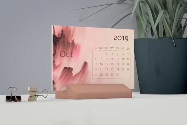 Mock up of watercolor calendar Free Psd