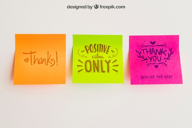 Mockup of adhesive notes in three colors Free Psd