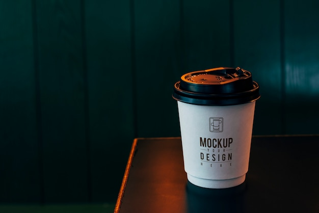 Mockup of a disposable coffee cup Free Psd