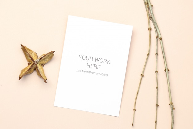 Mockup greeting card with wood branch Premium Psd