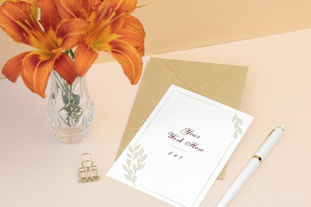 Mockup invitation card with envelope Premium Psd