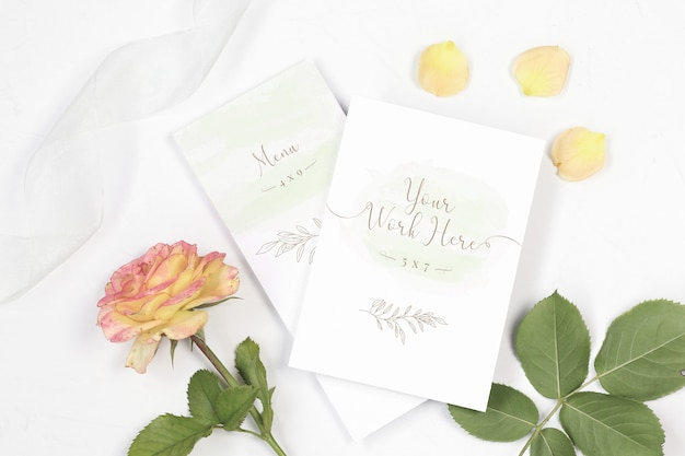 Mockup menu and thank save the date card with rose and ribbon Premium Psd