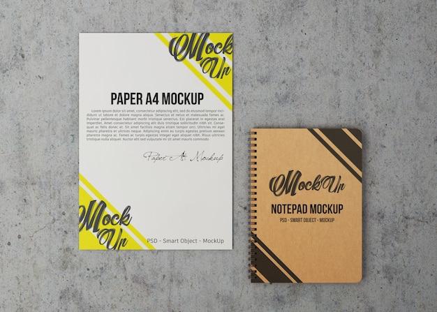 A4用紙とノートブックのモックアップ Premium Psd