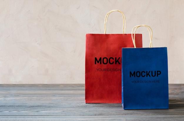 白紙のショッピングパッケージのモックアップ Premium Psd