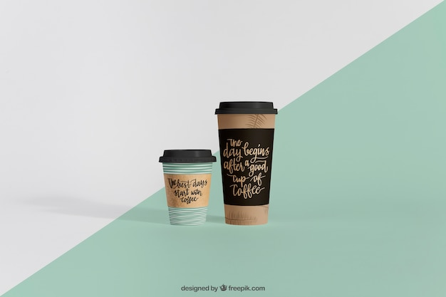 Mockup of two coffee cups of different sizes Free Psd