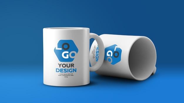Макет двух белых керамических кружек кофе Premium Psd