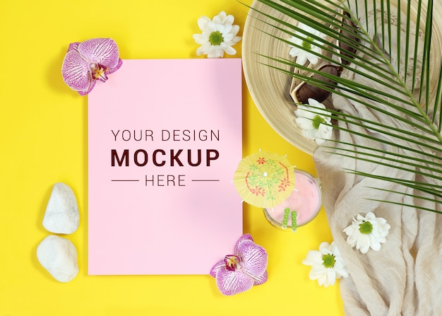Mockup pink letter on yellow background Premium Psd