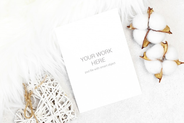 Mockup postcard with cotton and white fur Premium Psd