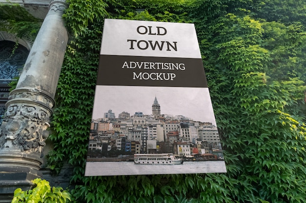 Mockup of vertical outdoor classic advertising on old building wall Premium Psd