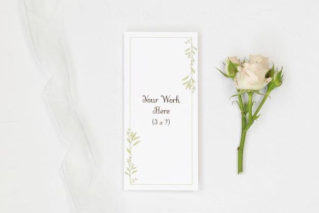 Mockup wedding menu with rose and ribbon Premium Psd