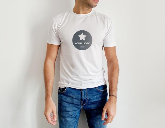 Mockup white men's t shirt Premium Psd
