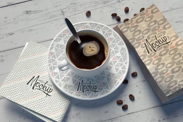 Макет с композицией кофейной чашки со сменными узорами Бесплатные Psd