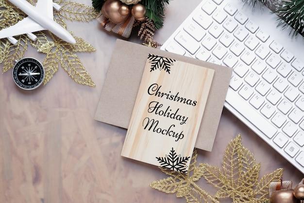 크리스마스 새해 휴가 여행 배경 개념에 대한 목업 나무 보드 프리미엄 PSD 파일