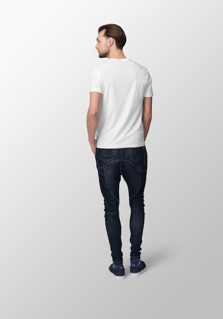 Model man with crew neck white t-shirt mockup, back view Premium Psd