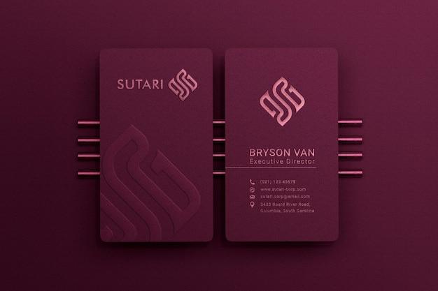 Современная и роскошная вертикальная визитка с эффектом тиснения и тиснения Premium Psd