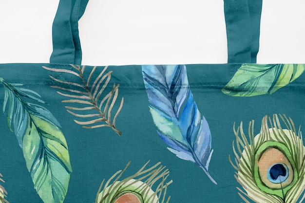 Modern shopping bag mockup Free Psd