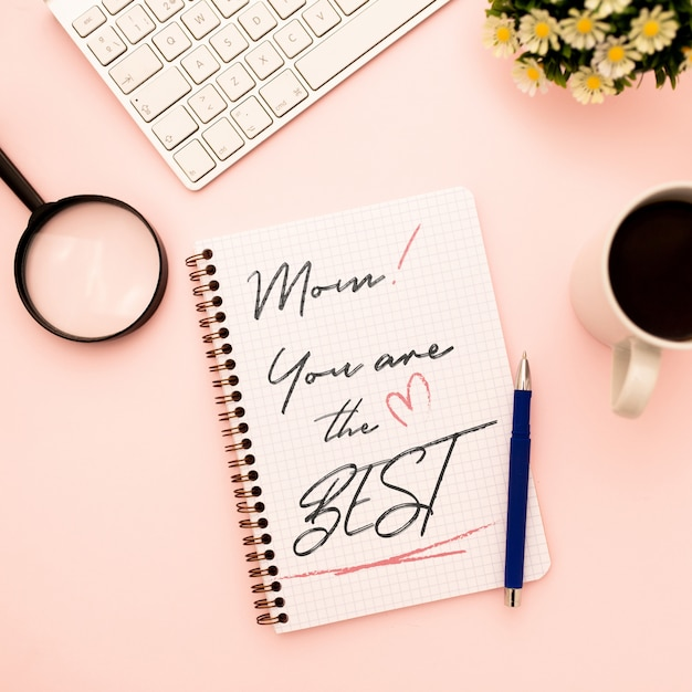 Mother's day mockup notebook with flowers Free Psd