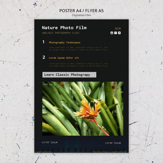 Modello di poster di pellicola fotografica di natura Psd Gratuite