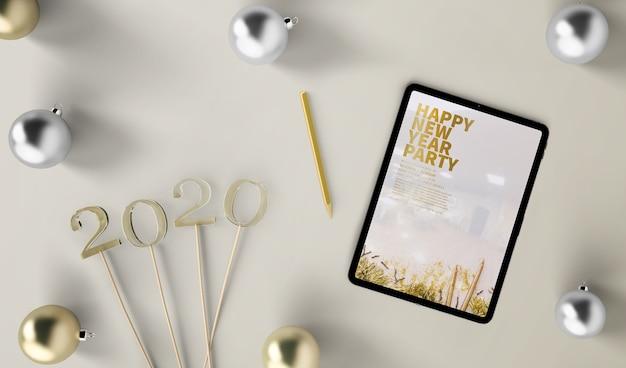 새 해 개념 태블릿 모형 무료 PSD 파일
