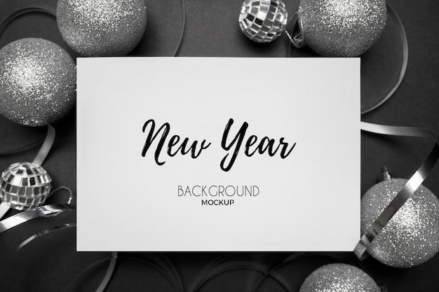 우아한 흰색에 은색 톤의 새해 파티 잔재 무료 PSD 파일