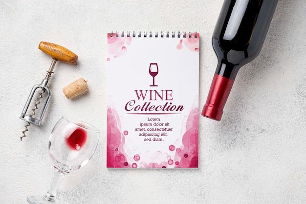 Блокнот с бутылкой вина Бесплатные Psd