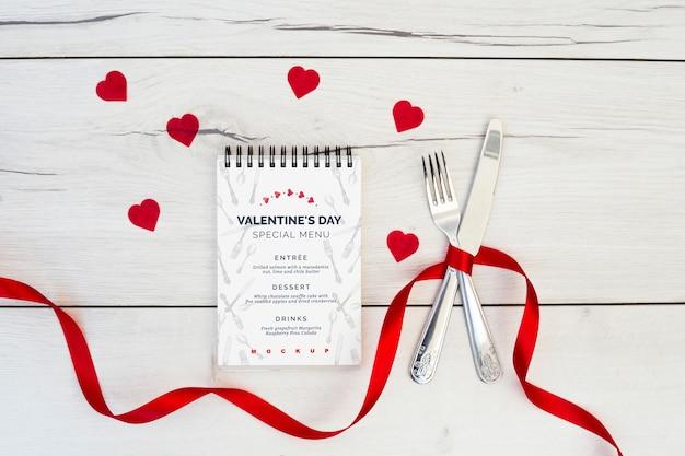 Notepad mockup for valentines menu Free Psd
