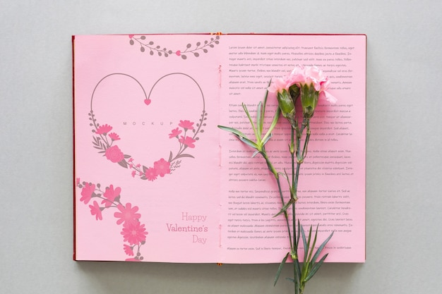 Open book mockup with flower for valentine Free Psd