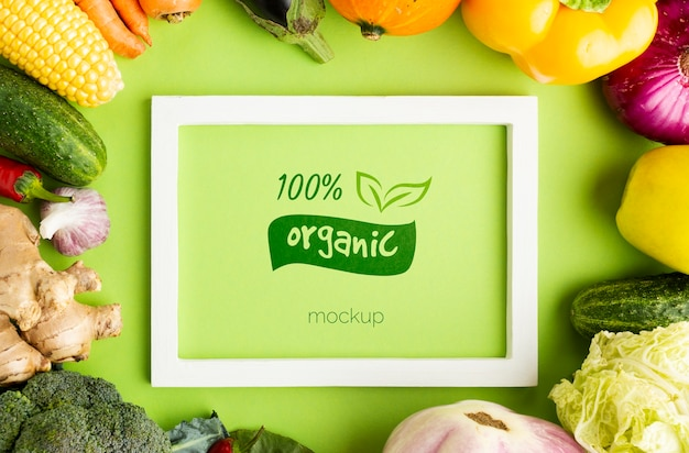 Organic and green frame with veggies Free Psd