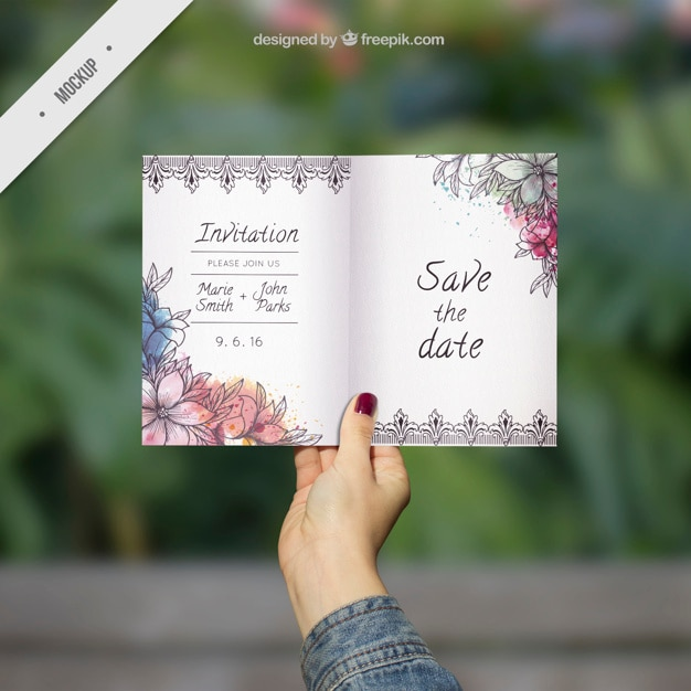 Ornamental wedding invitation mockup with watercolor flowers Free Psd