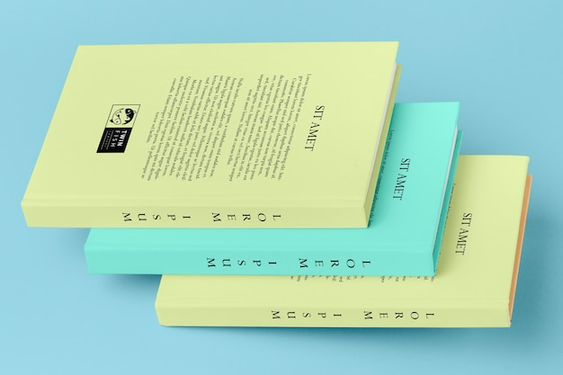 Пакет различных книжных макетов Бесплатные Psd