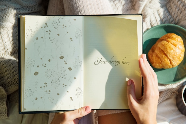 Page in a notebook Premium Psd