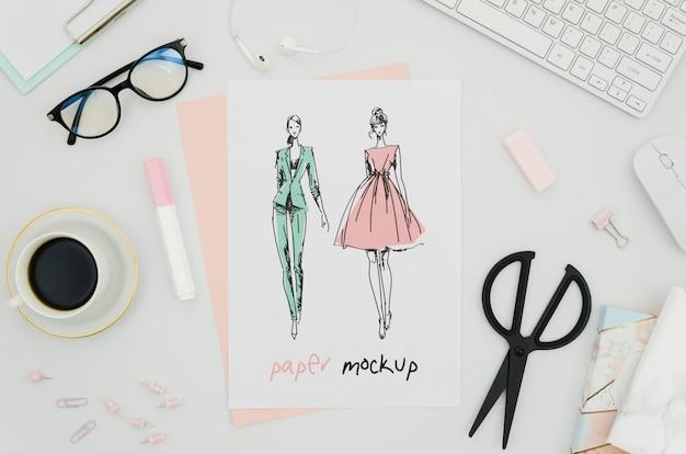 Mock-up di carta con abiti Psd Gratuite