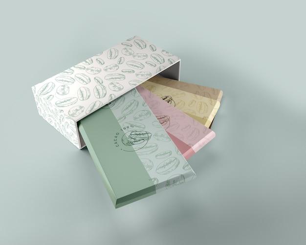 紙の包装と箱のデザインのモックアップ 無料 Psd