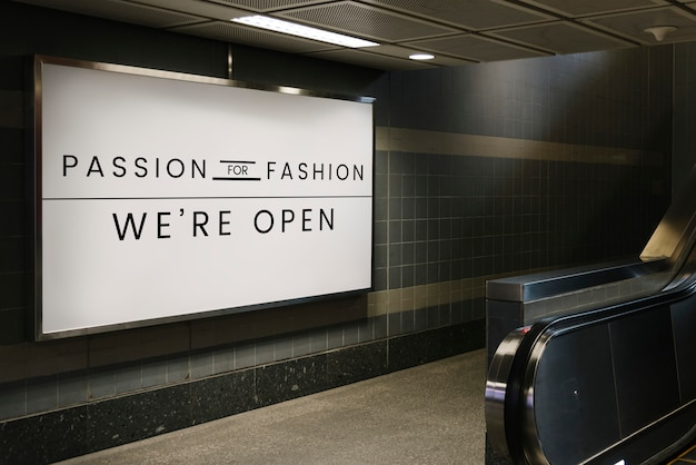 ファッション看板モックアップへの情熱 無料 Psd