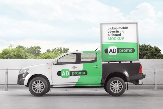 Пикап макет мобильного рекламного щита Premium Psd