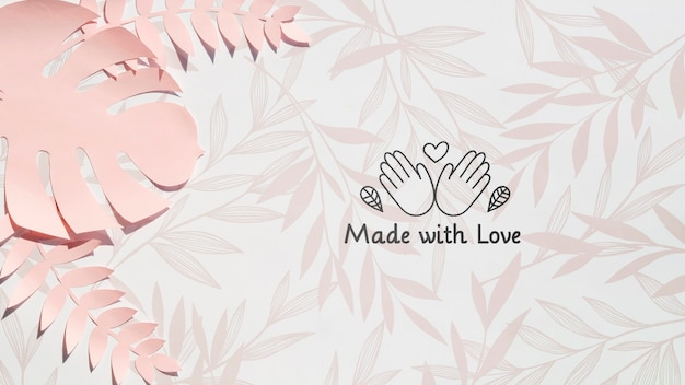 Розовое растение монстера с любовным фоном Premium Psd