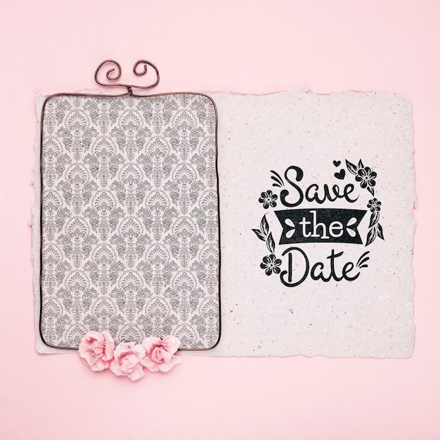 Розовые розы и рамка для сохранения макета даты Бесплатные Psd