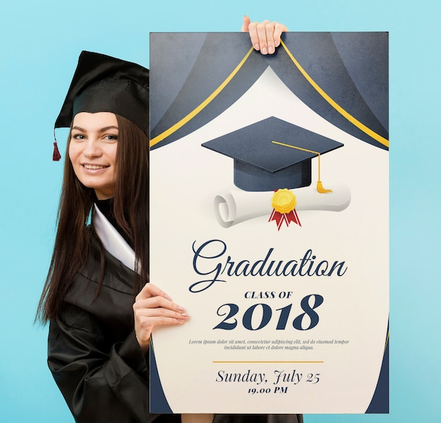 Portrait of young student holding diploma Free Psd