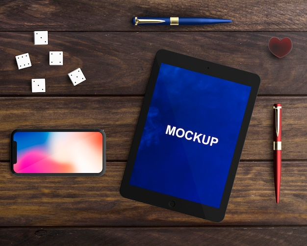 Professional tablet and smartphone mockup Free Psd