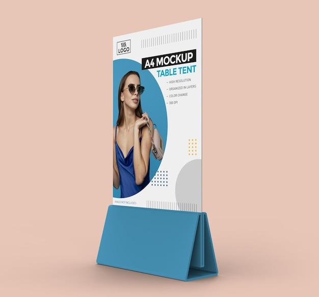 A4 디스플레이 용 프로모션 테이블 텐트 모형 프리미엄 PSD 파일