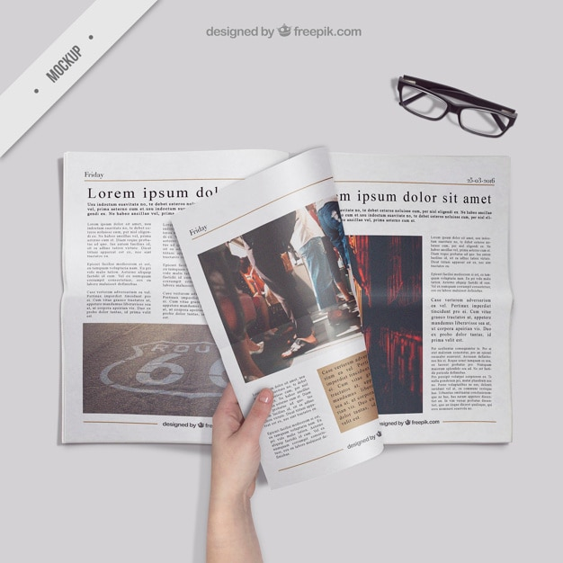 Reading the newspaper Free Psd