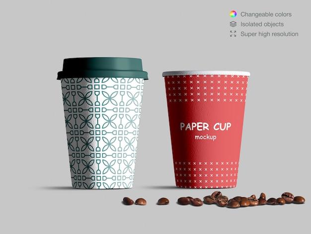 원두 커피와 현실적인 전면보기 종이 컵 이랑 프리미엄 PSD 파일