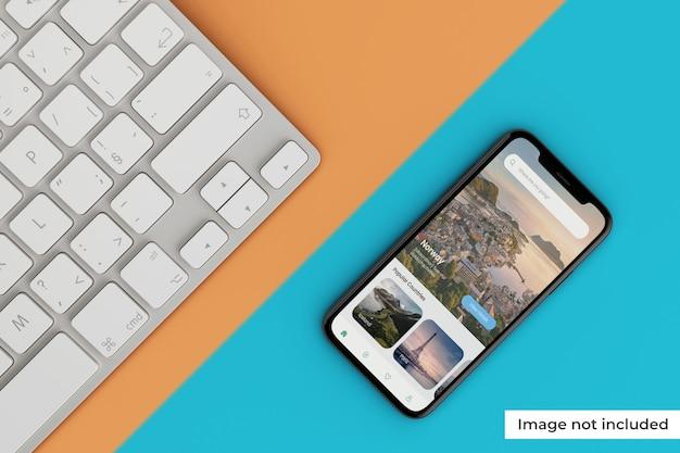 キーボード付きのリアルなモバイル画面モックアップ Premium Psd