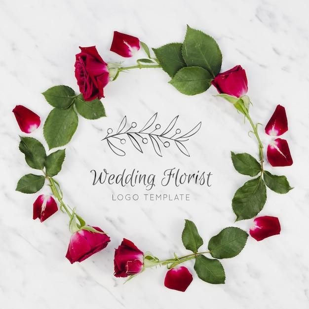 Красные розы и листья свадебного флориста Бесплатные Psd