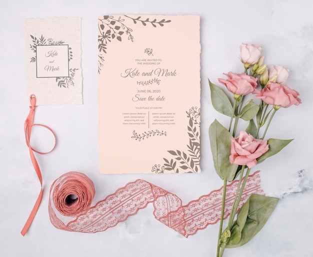 Romantic flowers with wedding invitation Free Psd