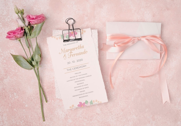 Romantic wedding invitation with flowers Free Psd
