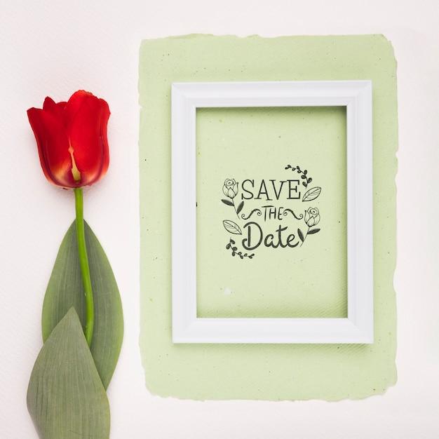 Сохрани дату макет макета и тюльпана Бесплатные Psd